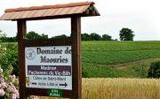 Enseigne d'accueil du domaine viticole